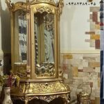ویترین سلطنتی طلایی کد ۰۳۲